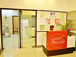 Expert Clinics lobby