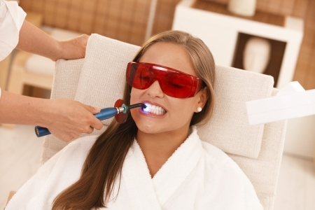 cosmetic dentistry is popular with dental tourists